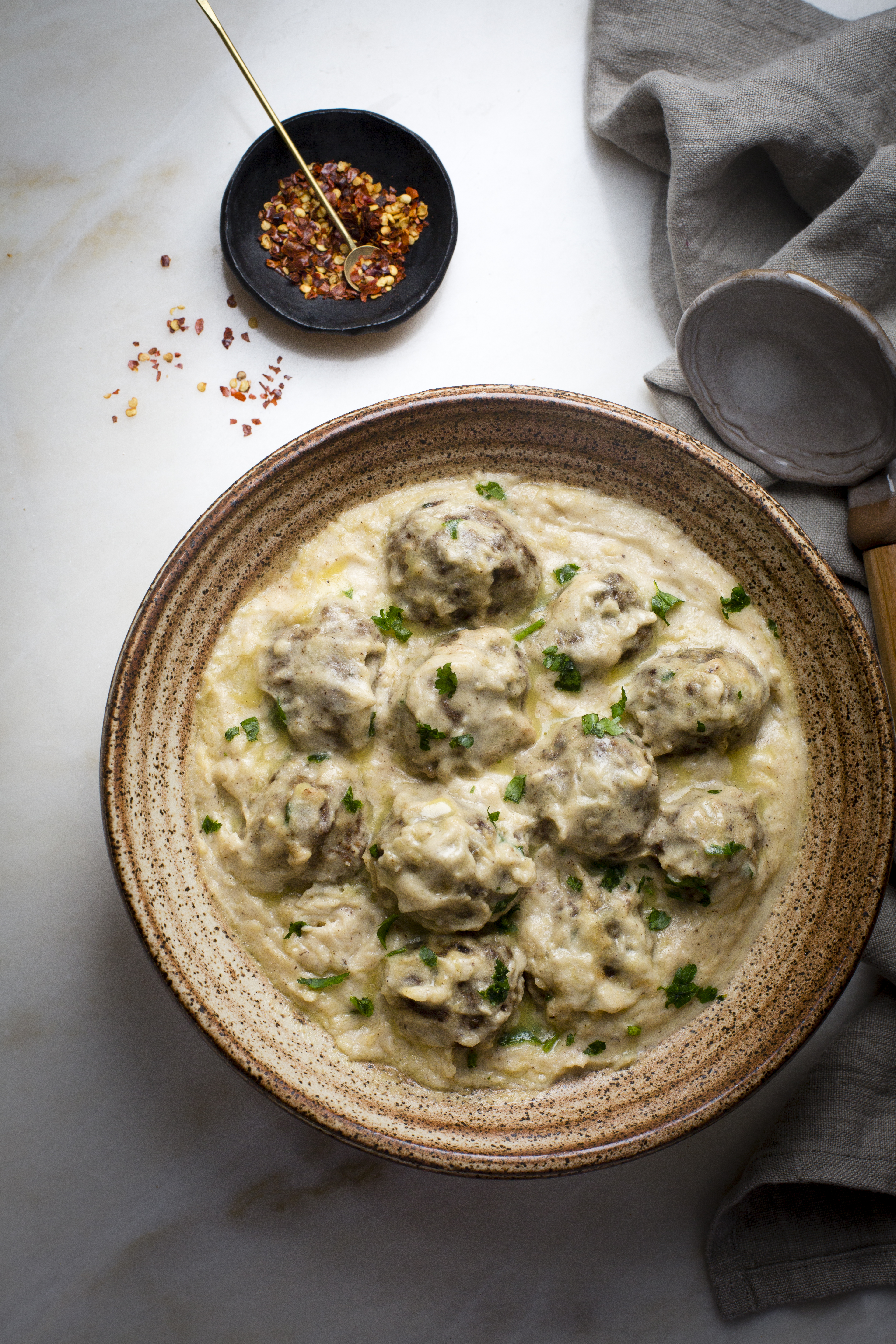 SWEDISH MEATBALLS IN SOUTHERN STYLE COUNTRY GRAVY