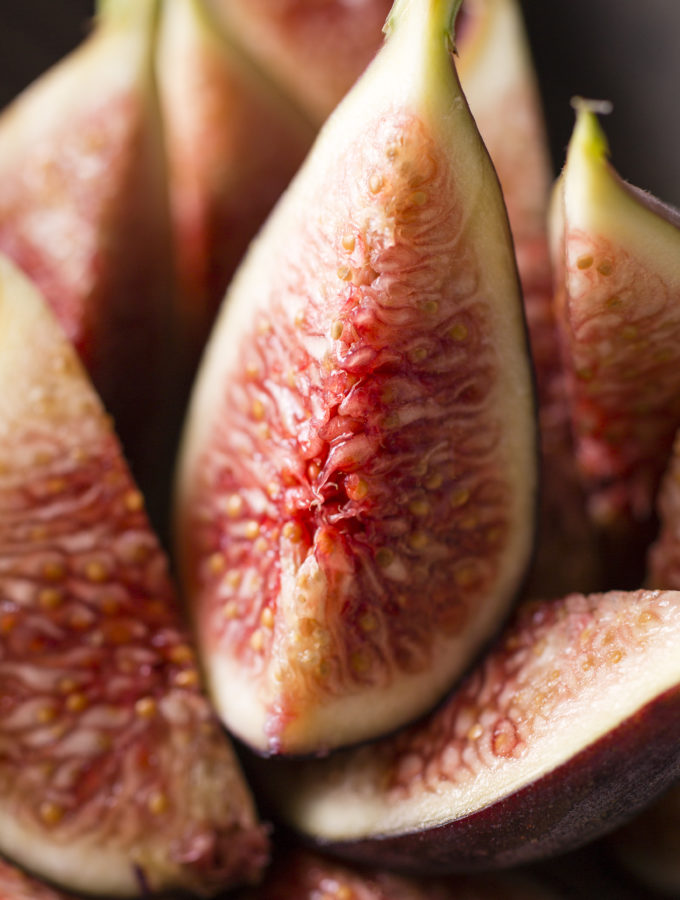 STILL LIFE PHOTOGRAPHY - FRESH FIGS